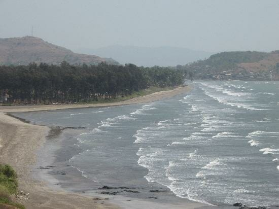 A Refreshing Trip To Murud and Its Calm Blue Sea Water